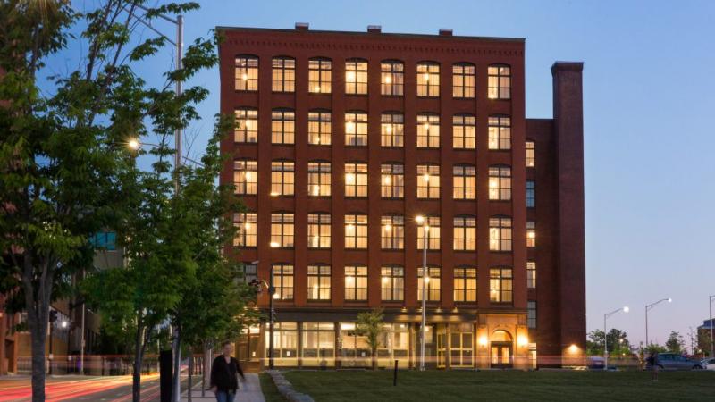 95-lofts-exterior-shot-apartments-for-rent-ri